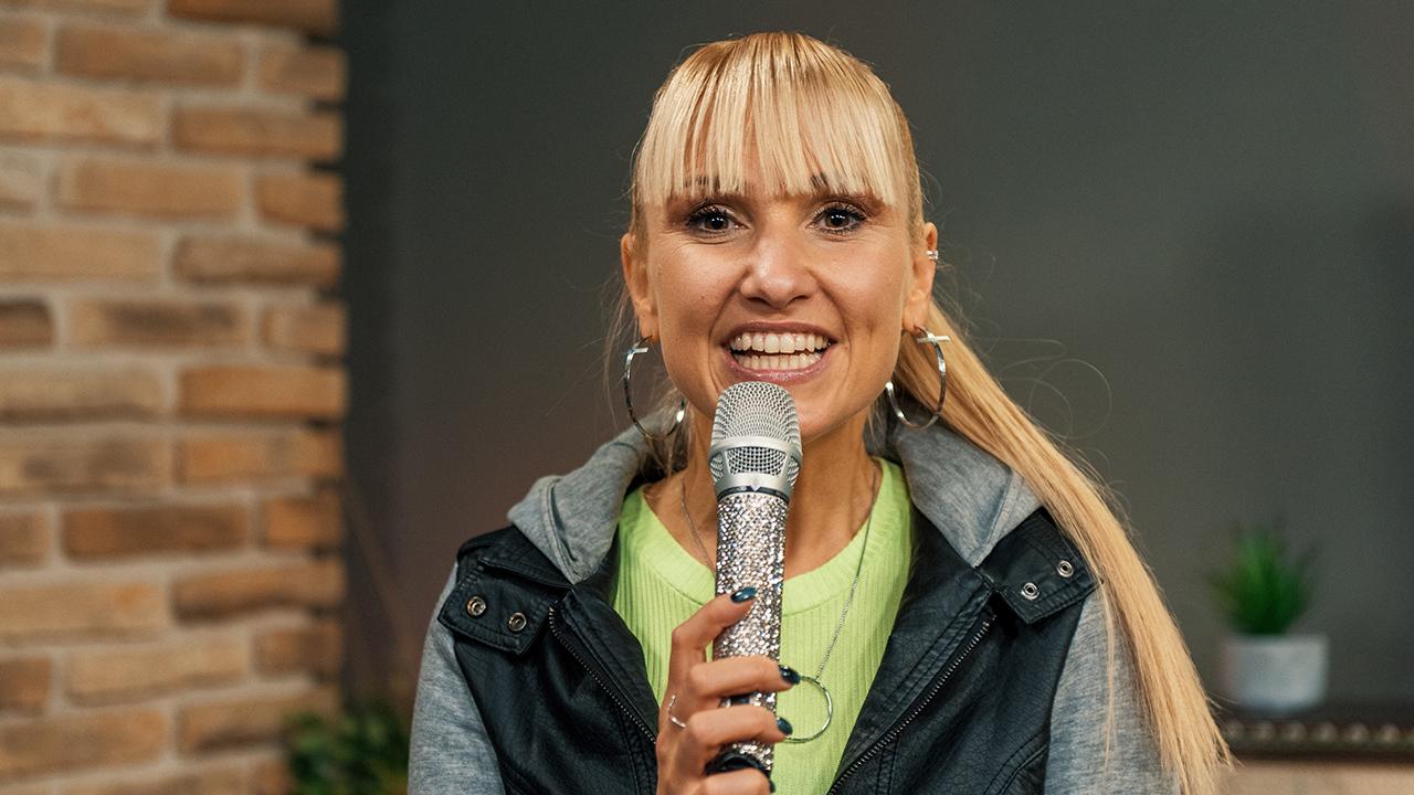 Déborah Rosenkranz mit «Weil du was wert bist»
